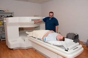 УЗИ или Фиброгастродуоденоскопия (ФГДС) желудка. Что выбрать? Какая процедура эффективней?