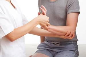 Появилась припухлость на внутренней стороне запястья - советы врачей на каждый день