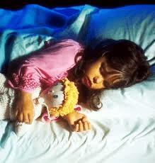 Сыну 3.6 начал писать во сне каждый день. За ночь может описать - советы врачей на каждый день