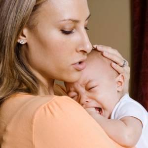 Ребенок постоянно плачет - советы врачей на каждый день