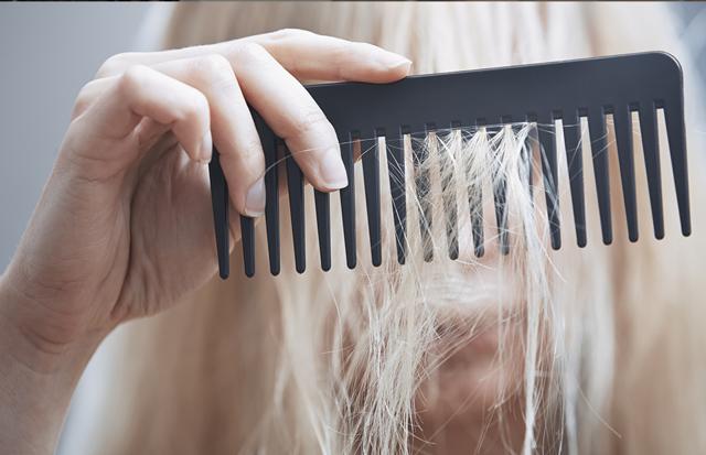 Почему выпадают волосы? - советы врачей на каждый день